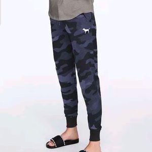 Victoria's Secret Pink Skinny Jogger Pants Camo